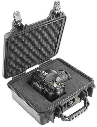 pelican-hard-camera-canon-dustproof-case.jpg