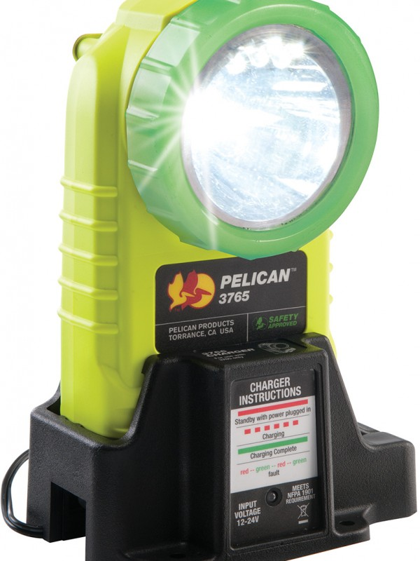pelican-glowing-led-rechargable-angle-light-l